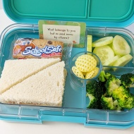 01.25.18    Tuna sandwich; school safe chocolate chip cookie bar as a treat; cucumber slices; steamed broccoli; and a couple of Poppable chips